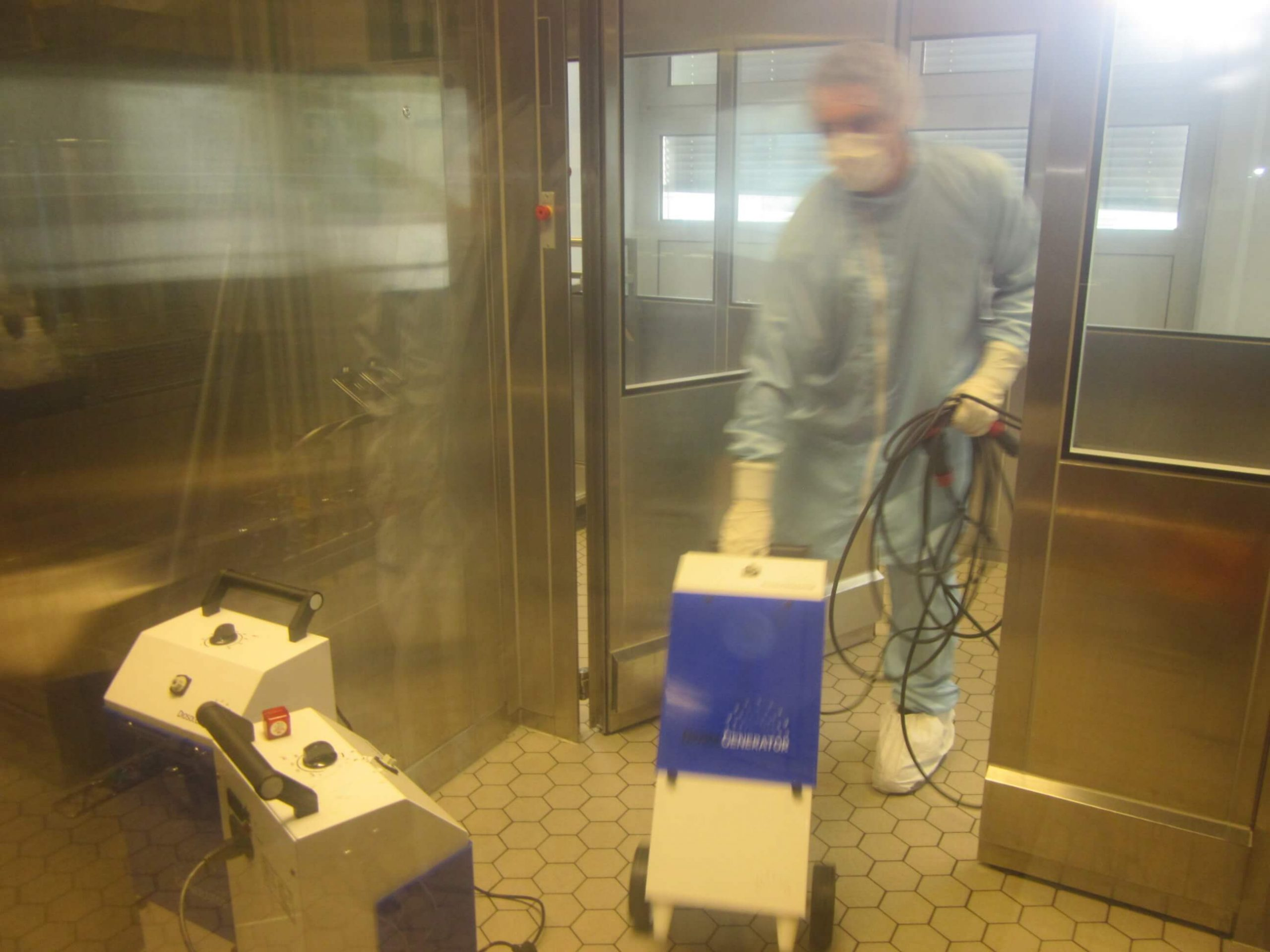 Cleanroom cleaning disinfection